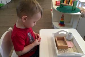 как научить ребёнка резать ножницами