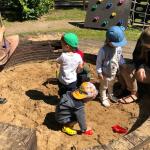 Как научить ребёнка делиться своими игрушками