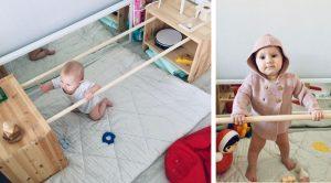 Уголок с игрушками и брусьями для вставания ребёнку до года