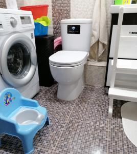 Место для детского горшка в ванной