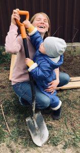 Развитие в 2 года дома: занимаемся с сыном посадками
