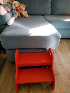 Детская лестница и диван