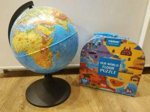 Глобус и карта для малыша