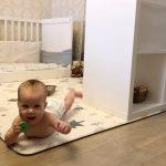Развитие ребёнка до года по Монтессори: история Натальи и Евы