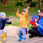 Как увести ребёнка с детской площадки без слёз и истерик