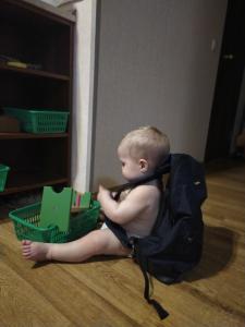 ребёнок в год не интересовался игрушками