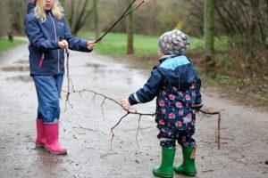 дети играют на улице без истерик