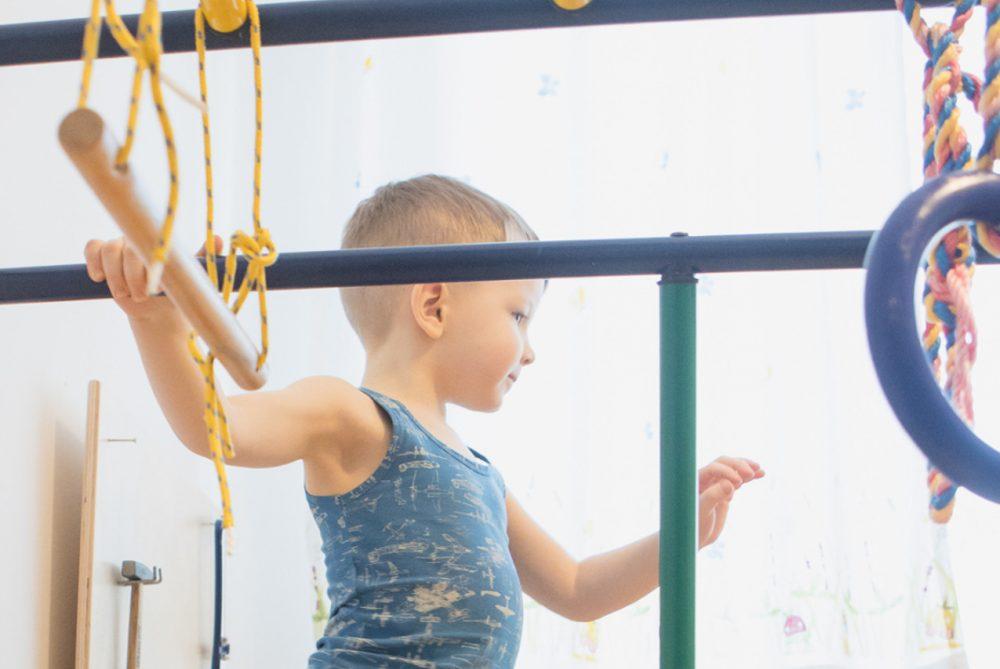 Выбираем спортивный комплекс ребёнку для дома