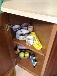 Полка для малыша на кухне