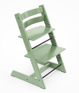 стул с согнутой спинкой