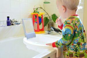 Ванная по Монтесссори и ребёнок